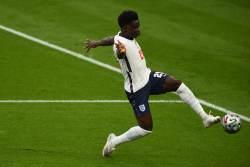 Озил поддержал Сака после назабитого пенальти