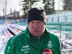 «Рубин» подарил Слуцкому миллион рублей на развитие школы