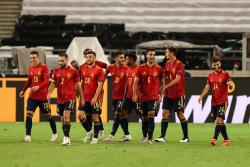 Игроков сборной Испании вакцинировали