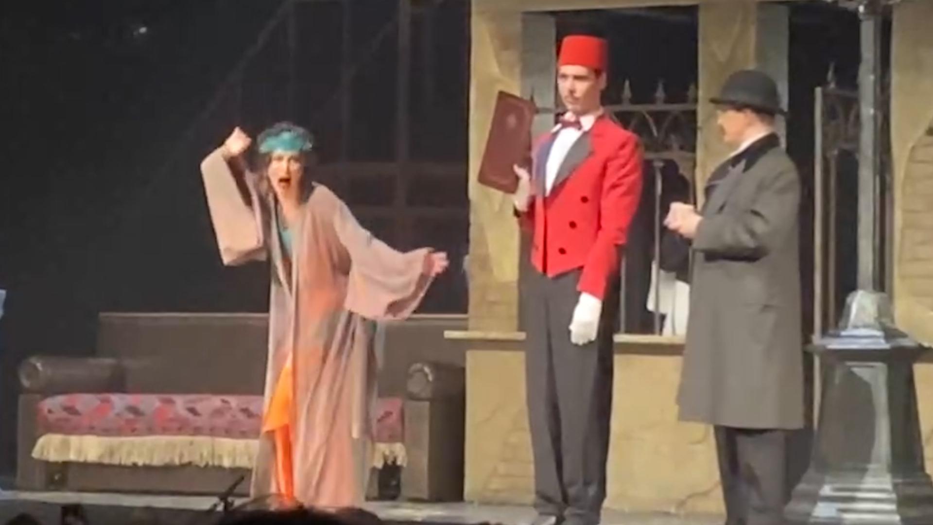 'Она зажата': Педагог актёрского мастерства указала на изъяны в игре Бузовой на репетиции во МХАТе