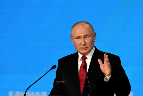 Путин: Кропотливая работа Госдумы исключает популизм и пустословие