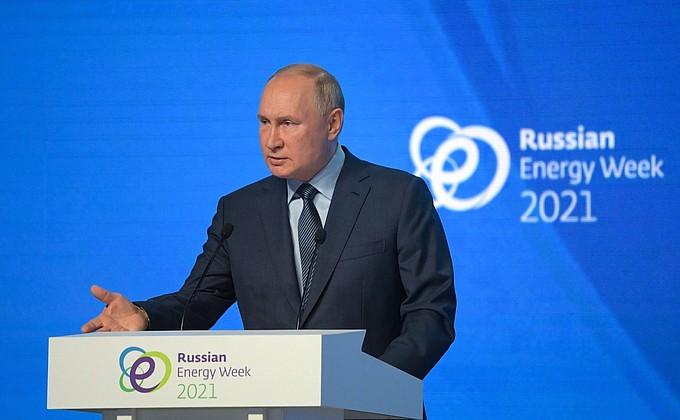 Путин — о Навальном: Никого не собираемся ставить в какие-то эксклюзивные условия