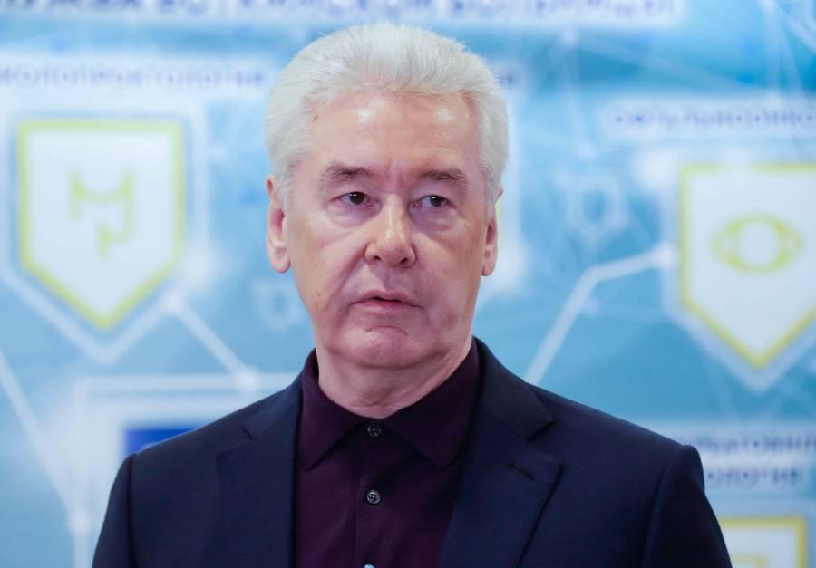 Собянин заявил, что Москва 'не будет останавливаться' из-за пандемии ковида