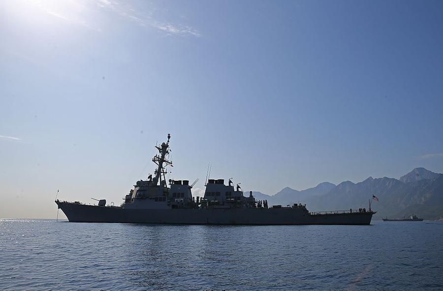 'Особое послание' России: СМИ узнали о намерении США отправить военные корабли в Чёрное море